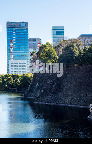 The Ote moat an outer moat of the Edo Castle, now Tokyo Imperial Palace grounds. - Stock Photo