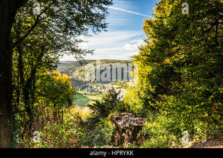 View from the Devil's Pulpit over the Wye Valley and Tintern Abbey in Monmouthshire, Wales. - Stock Photo