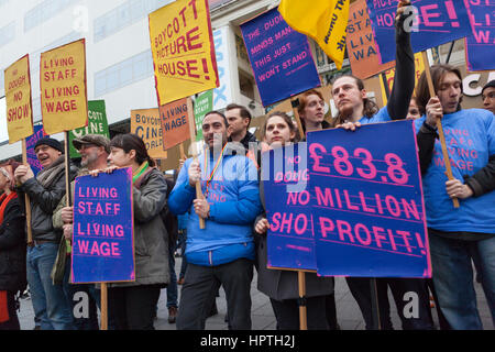 London, UK. 25th Feb, 2017. Picturehouse Cinema workers come out on strike as part of their long running campaign - Stock Photo