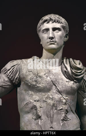 Julio Claudian Prince Marble Head 5BC-14 AD Statue  69 - 90 AD   The term Julio-Claudian dynasty refers to the first - Stock Photo