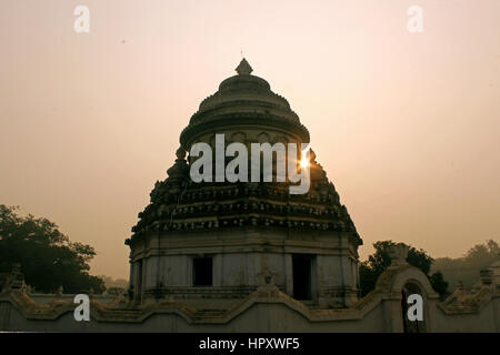 hindu temple, mahimagadi ( sunya mandira with sun flare ) - Stock Photo