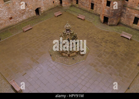 Llinlithgow fountain palace birthplace of Mary Queen of Scots central fountain courtyard - Stock Photo