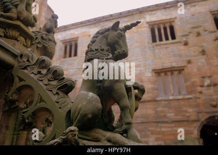 Llinlithgow fountain palace birthplace of Mary Queen of Scots unicorn symbol - Stock Photo