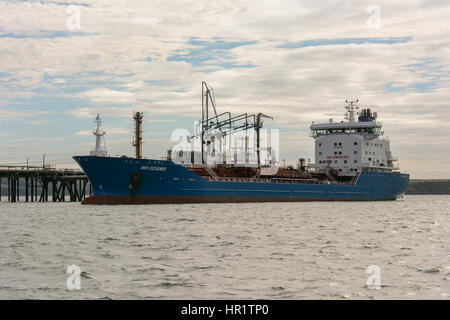 Bro Designer berthed at Valero oil terminal at Milford Haven, Pembrokeshire, Wales - Stock Photo