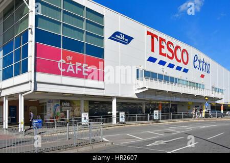 Tesco Extra 24 hour supermarket facade & cafe ground floor car park shop floors above Slough Town Berkshire UK - Stock Photo