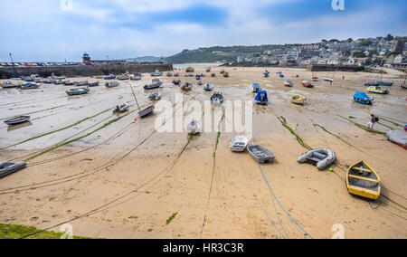 United Kingdom, Cornwall, St Ives, St Ives harbour at low tide - Stock Photo