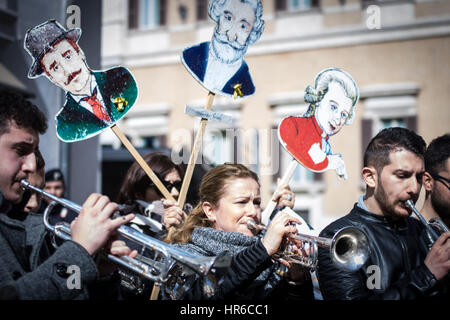 Rome, Italy. 27th Feb, 2017. Protest in music at Montecitorio. Taking to the streets with trombones, saxophones - Stock Photo