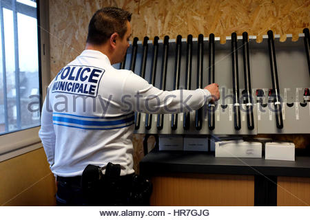 ARMING OF THE MUNICIPAL POLICE OF PAU, TONFAS AND LACRYMOGENES IN THE ARM ROOM OF THE CENTRAL OFFICE, PAU, PYRENEES - Stock Photo