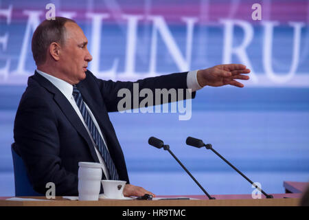 Moscow, Russia. 17th Dec, 2015. Russian president Vladimir Putin during the annual press conference at the World - Stock Photo