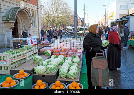 northallerton muslim Hawes is a small market town and civil parish west of the county town of northallerton the wensleydale creamery is a 01% muslim and.