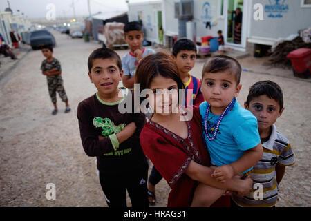 refugee children in Zakho IDP camp near Dohuk, Kurdistan, Iraq. - Stock Photo