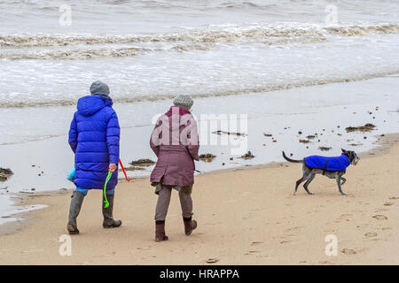 UK Weather, Crosby, Merseyside. 28th Feb 2017.   Terrible weather strikes the north west coastline at Crosby nr - Stock Photo