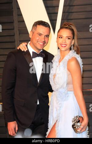 Beverly Hills, CA. 26th Feb, 2017. Cash Warren, Jessica Alba at arrivals for 2017 Vanity Fair Oscar Party, Wallis - Stock Photo