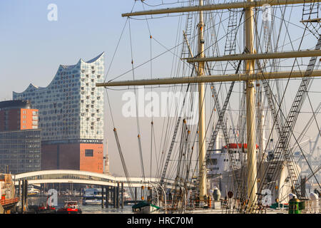 Hamburg, Germany - Februar 15, 2017: Historic ships and the modern concert hall Elbphilharmonie in the Hafencity, - Stock Photo