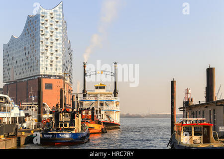 Hamburg, Germany - Februar 15, 2017: The concert hall Elbphilharmonie in the Hafencity, part of the harbor, with - Stock Photo