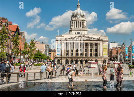 Council House at the Old Market Square in Nottingham, Nottinghamshire, England, UK. Das Council House auf dem alten - Stock Photo