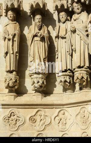 From right to left, apostles: Paul, James the Minor, Thomas, Matthew. Cathedral of Our Lady of Amiens. Our Lady - Stock Photo