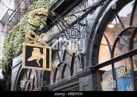 Berry Brothers & Rudd Wine Merchants, St James's St, London, England, UK - Stock Photo