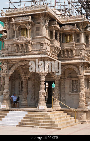Entrance to the Hathee Singh Jain temple in Ahmedabad, built in the mid-nineteenth century during a time of severe - Stock Photo
