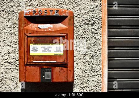 Briefkasten, Italien - post box, Italy - Stock Photo