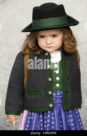 Model released, Kleines Maedchen in Tracht - little girl in dirndl - Stock Photo