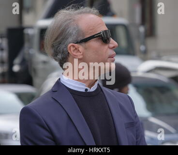 Lloyd Klein attends a Manhattan Court for the case against Jocelyn Wildenstein  Featuring: Lloyd Klein Where: Manhattan, - Stock Photo