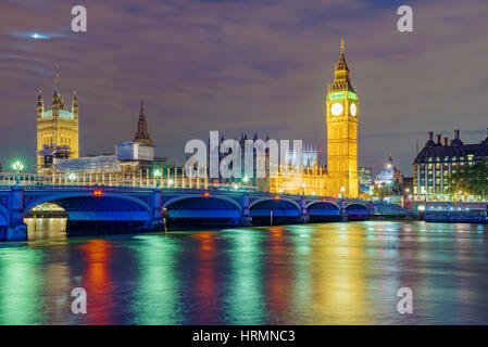 Nigh view of River Thames and the Houses of Parliament - Stock Photo