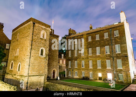 Jewel House in London at night - Stock Photo
