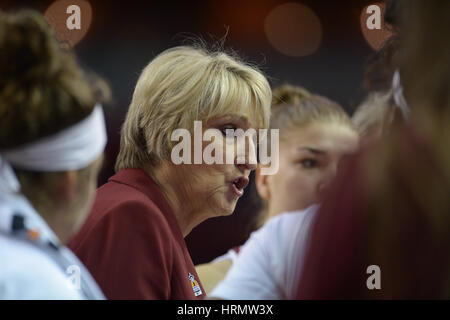Seattle, WA, USA. 2nd Mar, 2017. WSU Head Coach June Dougherty during a PAC12 women's tournament game between the - Stock Photo