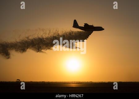 Australia, Melbourne. 3rd Mar, 2017. A transport airplane performs during the Australian International Aerospace - Stock Photo