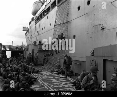 Korean War, Soldiers Debarking Ship - Stock Photo