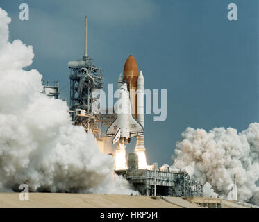 STS-42, Space Shuttle Discovery Launch, 1992 - Stock Photo