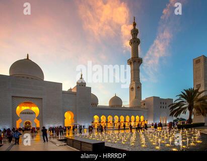 Sheikh Zayed Grand Mosque in Abu Dhabi, United Arab Emirates. - Stock Photo