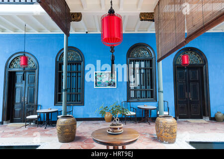 Georgetown, Malaysia — 04 August, 2014: The interior of Fatt Tze Mansion or Blue Mansion, famous oriental historical - Stock Photo