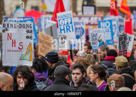 London, UK. 4th March, 2017. A march against cuts to and potential privatisation of the NHS starts in Tavistock - Stock Photo