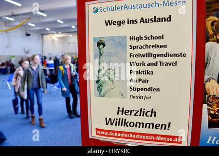 Berlin, Germany. 4th Mar, 2017. Visitors learn about a student exchange in the US at the 'Schueleraustausch-Messe' - Stock Photo
