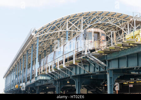 'D' train, Coney Island Stillwell Avenue Station, Brooklyn, New York City, USA - Stock Photo