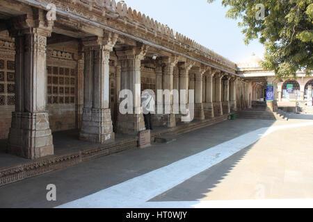 East mausoleum entrance containing the tombs of Mahmud Begada and his son Saltan Muzaffar II. Sarkhej Roza, Ahmedabad, - Stock Photo