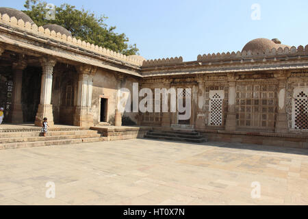 Courtyard adjacent to tomb complex. Sarkhej Roza, Ahmedabad, Gujarat India - Stock Photo