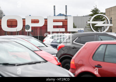 Kaiserlautern, Germany. 6th Mar, 2017. A logo of the car manufacturer Opel at the factory in Kaiserlautern, Germany, - Stock Photo