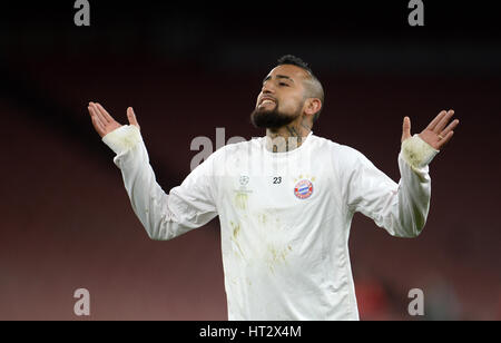 London, UK. 06th Mar, 2017. Munich's Arturo Vidal prepares for the second leg of the Champions League round of 16 - Stock Photo