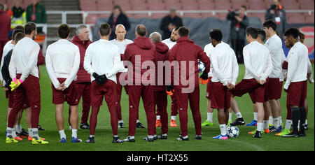 London, UK. 06th Mar, 2017. The Munich team prepares for the second leg of the Champions League round of 16 tie - Stock Photo