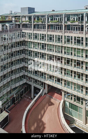 Rotterdam, Netherlands – May 26, 2016: the windows of the offices in the Groothandelsgebouw. - Stock Photo