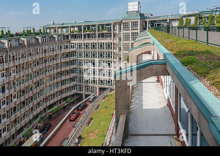 Rotterdam, Netherlands – May 26, 2016: the windows and roof of the offices in the Groothandelsgebouw. - Stock Photo
