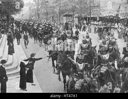 'French cuirassiers riding through the streets of Paris on their way on the front', 1914. Artist: Unknown. - Stock Photo