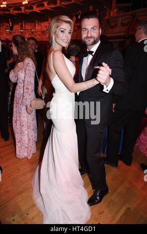 Boyfriend and girlfriend: Ricardo Rodowski and Annika Gassner at the Samper Opera Ball 2017 (Samper Opernball)