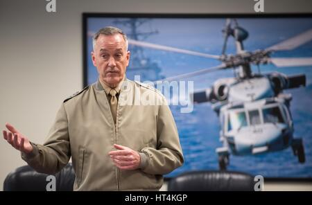 U.S. Joint Chiefs of Staff Chairman Joseph Dunford speaks to Marine Corps War College students at the Pentagon February - Stock Photo