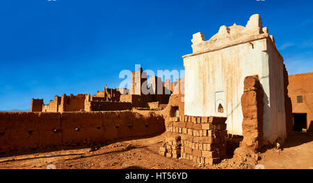 Profits shrine in the he Glaoui Kasbah of Tamedaght in the Ounilla valley set surrounded by the hammada (stoney) - Stock Photo
