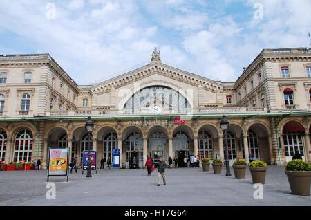 Exterior of the Gare De L'Est railway station in Paris, France. Designed by Francois Duquesnay, the building was - Stock Photo