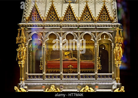 The Holy Right Hand of St. Stephen, in a chapel of the Basilica of St. Stephen, Budapest, Hungary. - Stock Photo